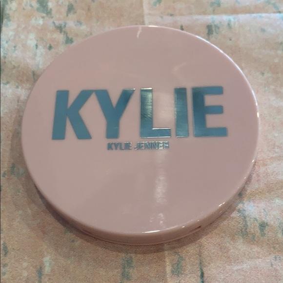 Kylie Cosmetics Body Glow